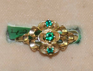 10kt Childs Synthetic Emerald Ring - by Siffari - never worn