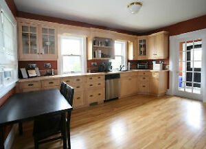 large 2nd flr (queen) room in beautiful home, Across from NSCC