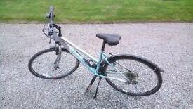 Ladies Bike For Sale, Dawes Disccovery 201. Lightweight aluminium frame.