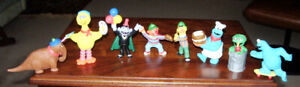 8 SESAME STREET FIGURES >>? CAKE TOPPERS ? << FROM 1980'S