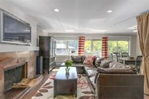 815 ft2 Renovated Townhouse in Park Royal North Shore Greater Vancouver Area image 1