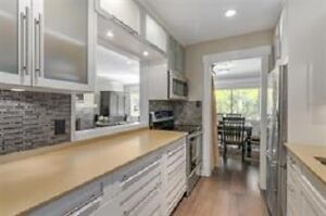 815 ft2 Renovated Townhouse in Park Royal North Shore Greater Vancouver Area image 3