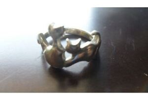 Vintage sterling cats ring