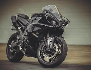 Yamaha R1 édition raven comme neuf