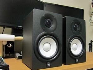 HS 5 Yamaha Studio Monitors