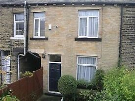 Two Bed House with Garden Part Furnished £400. Suitable for Family/Professionals/Students no Dss.