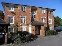 MODERN FURNISHED 1 BEDROOM FLAT LOCATED IN ROFFEY COURT, HENDON, NW4 - EXCELLENT CONDITION