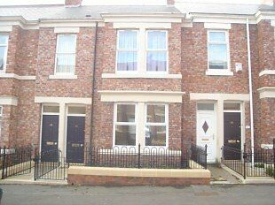 IMMACULATE THROUGHOUT 2 BEDROOMED LOWER FLAT SITUATED ON WESTBOURNE, BENSHAM, GATESHEAD