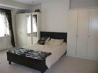 Superb ROOMS in Tooting Broadway !!! Females House Share