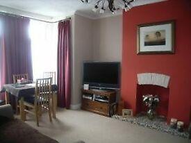 2 Bedroom Flat to rent Broadlands Road-NO FEES