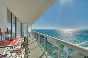 Luxury 2BR Oceanfront Condo for Rent (Hallandale Beach, FL)