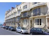 2 BEDROOM FLAT, REGENCY SQUARE, WITH COURTYARD