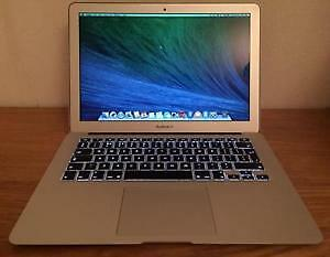 Mint MacBook Air 13.3 - one year old