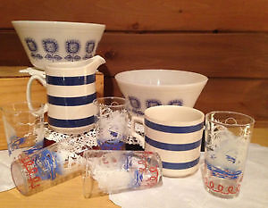 Many Vintage ware : Pyrex , Fire King