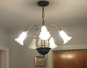 SPECTACULAR CHANDELIER ** NEW LOW PRICE ** AMAZING DEAL !!