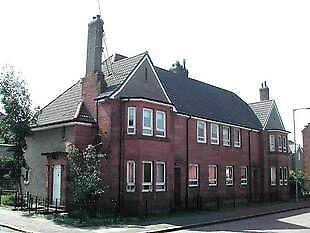 3 bed upper cottage flat