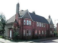 3 bed upper cottage flat