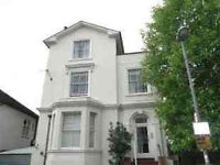 Surbiton - newly refurbished 2 bed flat in Victorian conversion