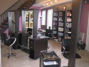 Chair Available for rent in uptown Salon Kitchener / Waterloo Kitchener Area image 5