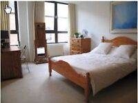 Superb 2 bed furnished apartment, central location, large bedrooms & secure parking