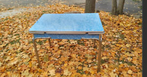 vintage 50's formica/laminate chrome blue kitchen table