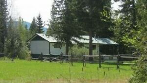 PRIVATE 5 bdrm RETREAT on HORSE FRIENDLY 10 acres...!