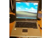 Acer Travelmate 2350 Laptop with Windows XP