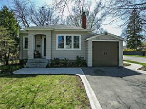 Detached bungalow in Burlington close to Downtown and Lake