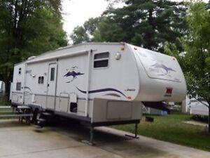 2003 Jayco fifth wheel trailer30'