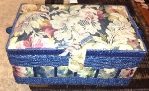 Excellent condition sewing basket for sale London Ontario image 1