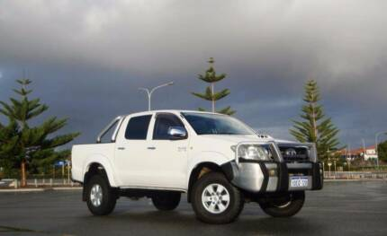 2009 Toyota Hilux SR5 Dual Cab LIFTED & Mint Con