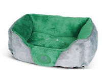 BRAND NEW Kennel Club soft dog bed - medium size. Fully washable.