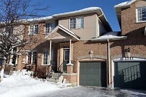 free hole townhouse in Oakville for rent