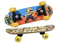 *BRAND NEW SEALED & PACKAGED* Dispicable Me Minions Satchel Skateboard