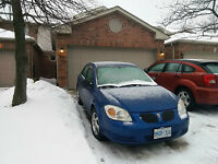 Excellent 3+2 bed room townhouse with two garages near UWO