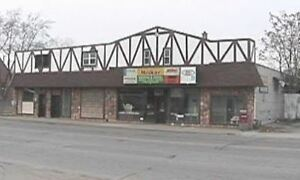 9,800 SQFT OF RETAIL  / OFFICE / RESIDENTIAL / WAREHOUSE Windsor Region Ontario image 1