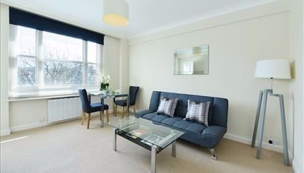 Modern and well proportioned charming studio apartment situated in the heart of Mayfair.