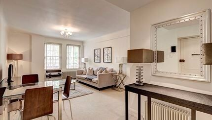 Spacious first floor two bed apartment on Fulham Road SW3