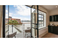 A stunningly spacious 3 bedroom, 3 bathroom apartment with river views in Hammersmith