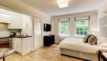 Stunning Studio Flat In Prestigious Chelsea