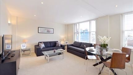 STUNNING 2 BED APARTMENT IN MAYFAIR