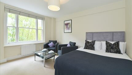 Well proportioned studio apartment in Mayfair