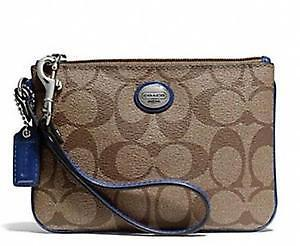 Coach Wristlet, perfect condition