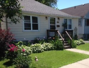 Furnished 2bdrm with great weekly and monthly discounts Kingston Kingston Area image 1