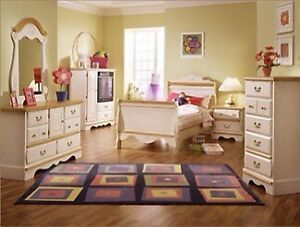 KATHY IRELAND HOME PRINCESS BOUQUET BED SET + DRESSERS