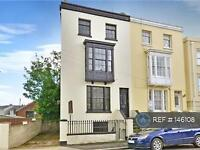 3 bedroom flat in Ryde Isle Of White, Ryde , PO33 (3 bed)
