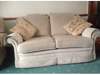 Bridge craft sofa and 2 chairs great condition