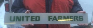 vintage united farmers gas pump glass insert sign advertising