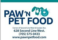 BLACK FRIDAY AT PAW ' N PET FOOD WITH YOUR FURRY FRIENDS!