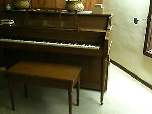 Heintzman upright piano great condition!